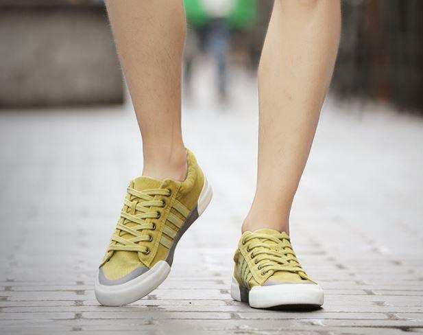 รองเท้าผ้าใบ ผู้ชาย แบบผูกเชือก รองเท้าหุ้มส้น สีซีด แบบวัยรุ่นเท่ ๆ รองเท้าใส่เที่ยว สีแดง ดำ เขียวเทา 463073