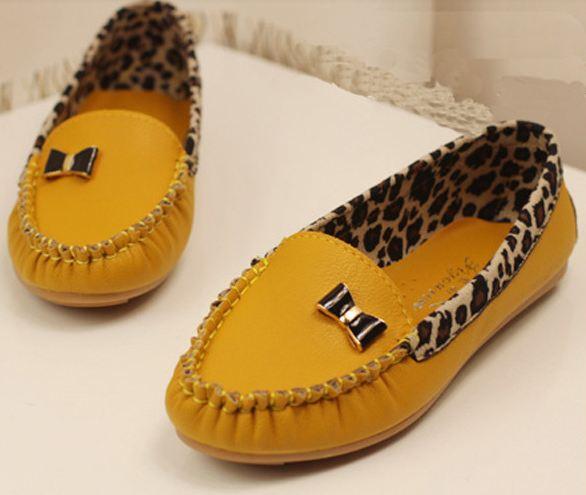 รองเท้าหุ้มส้น ผู้หญิง ส้นแบน วัสดุ รองเท้าหนัง Pu ตกแต่งลายเสือ พื้นยางอย่างดี ติดโบว์ด้านหน้าเก๋ ๆ รองเท้าใส่เที่ยว ใส่ทำงาน สีเหลือง 63685_3