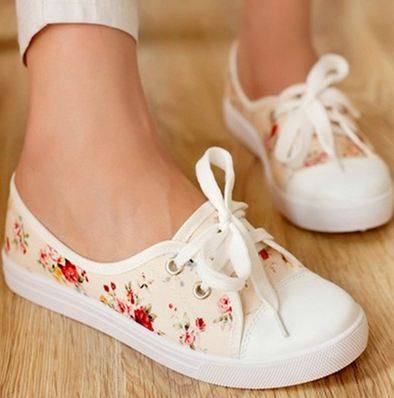 รองเท้าผ้าใบ หุ้มส้น โทนสีส้มอ่อน ดอกกุหลาบแดง รองเท้าผ้าใบ วัยรุ่น ใส ๆ ใส่เที่ยว ใส่เรียน ใส่สบาย แบบสวย ราคาถูก 62902