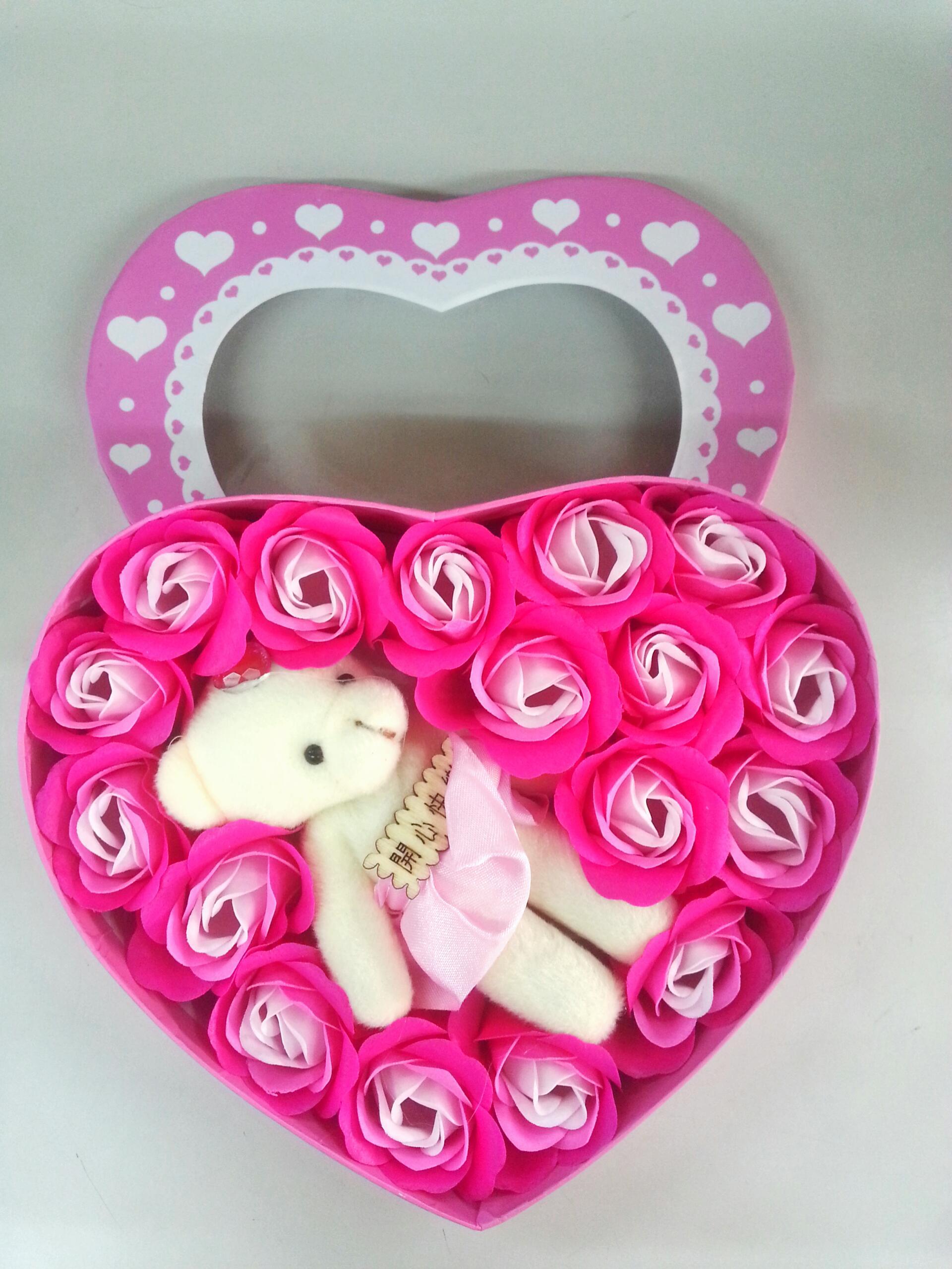 กล่องหัวใจวาเลนไทน์ หมี+ดอกกุหลาบ18ดอก(มีกลิ่นหอม)