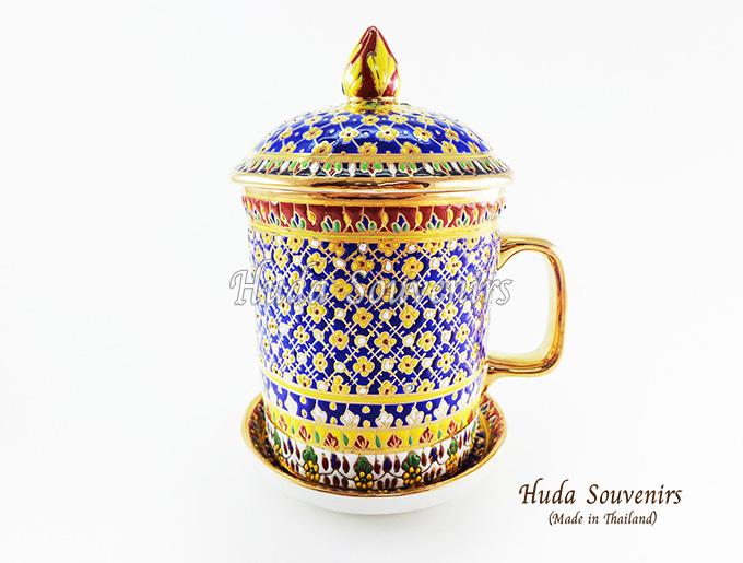 ของที่ระลึก แก้วมัคเบญจรงค์ ลวดลายดอกมะลิ โทนสีน้ำเงิน ลายเนื้อนูนเคลือบผิวเงา สินค้าพร้อมส่ง (ราคาไม่รวมกล่อง)