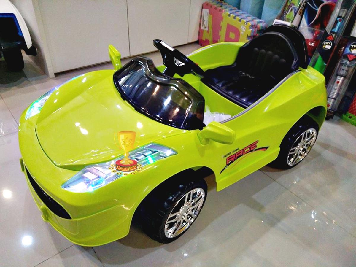 รถแบตเตอรี่เด็กนั่ง รุ่น 3165 ยี่ห้อเฟอรารี่รุ่นใหม่สีเขียว