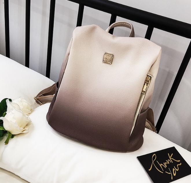 [ พร้อมส่ง ] - กระเป๋าเป้แฟชั่น สีทูโทนชมพู สุดเท่เก๋ๆ ดีไซน์สวยเก๋ไม่ซ้ำใคร สวยสุดมั่น เหมาะกับสาว ๆ ที่ชอบกระเป๋าเป้น้ำหนักเบาๆ