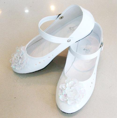 รองเท้าคัทชูออกงานเด็กหญิง หนังแก้วสีขาว Size 19 ถึง 36 หมุนเก็บสายรัดข้อเท้าได้