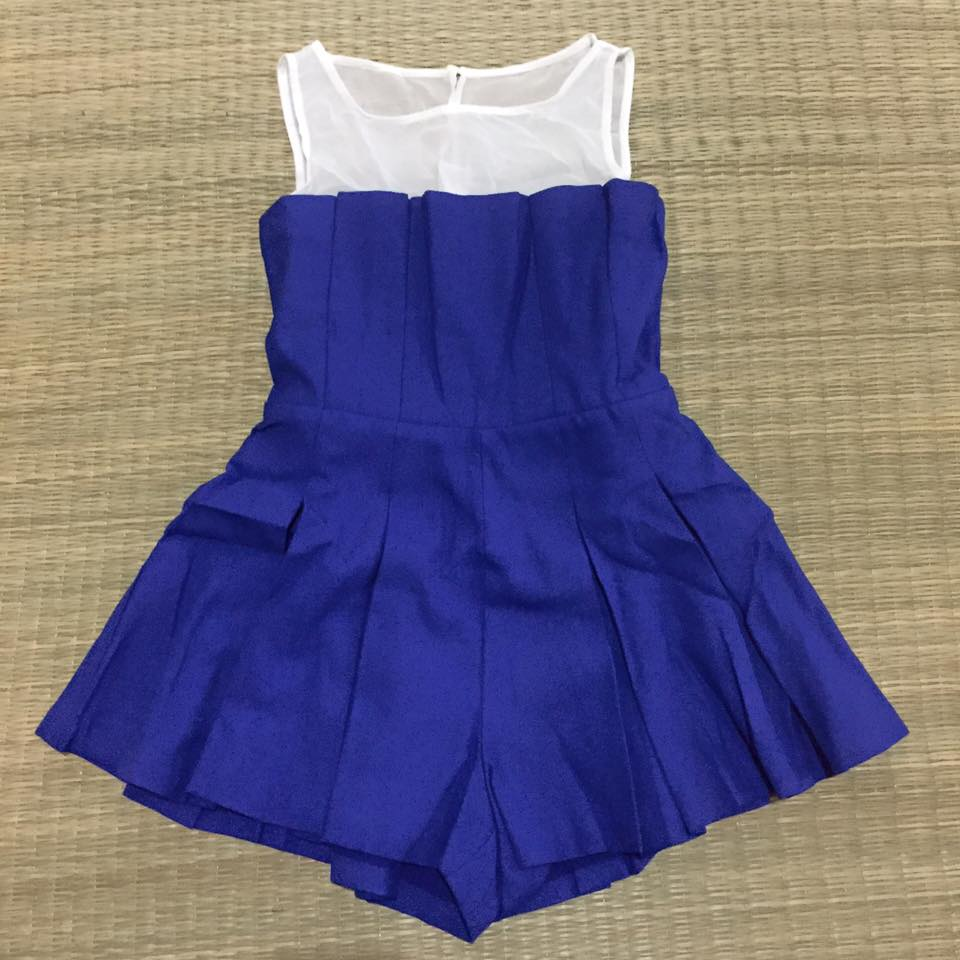 "M ""พร้อมส่ง""เสื้อผ้าแฟชั่นราคาถูก Brand Nokara จั๊มสูทสีน้ำเงิน กางเกงปลายบานๆ ช่วงคอซีทรูสีขาว ซิปหลัง ติดกระดุมหลัง 1เม็ด มีซับใน -size M"