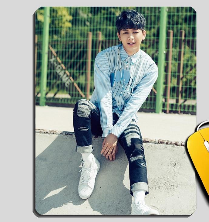 แผ่นรองเม้าส์ IKON : ซอง ยุนฮยอง