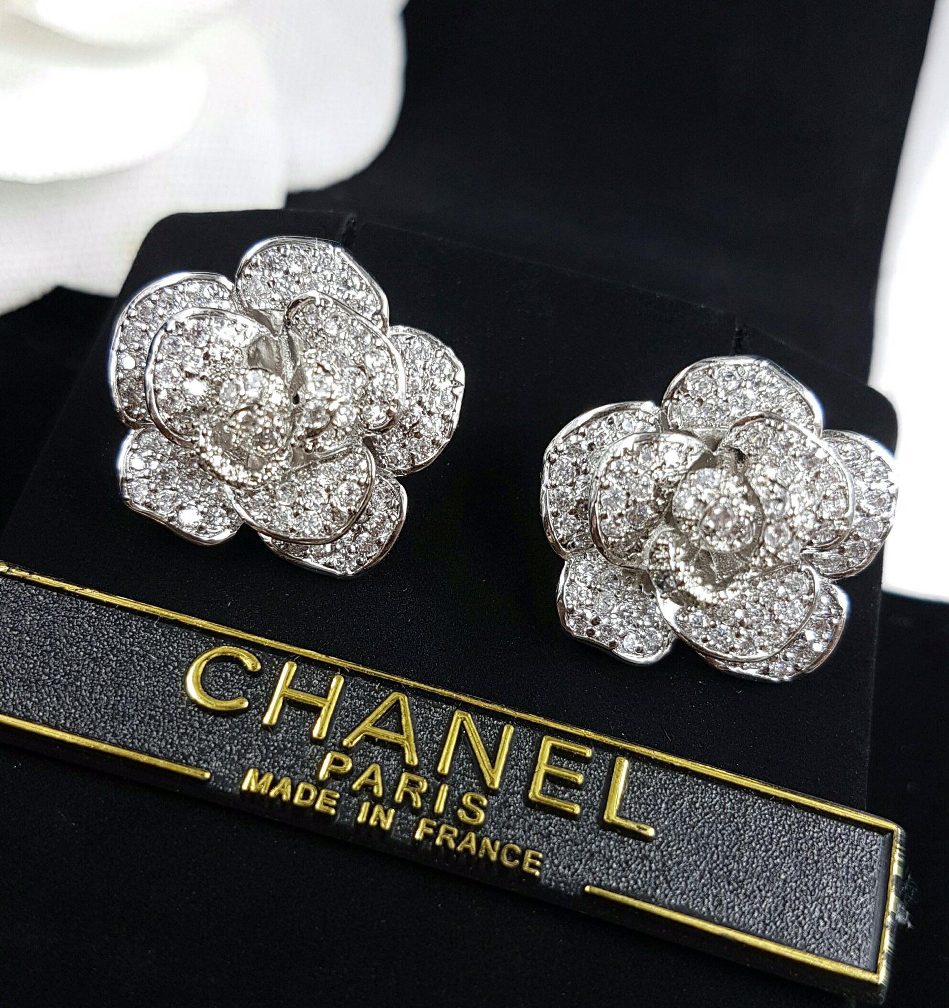 พร้อมส่ง Rose Diamond Earring ต่างหูทรงกุหลาบ designจากยี่ห้อPiaget
