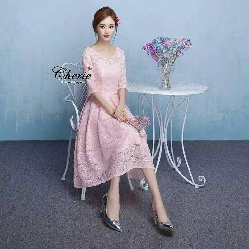 ชุดเดรสเกาหลี พร้อมส่งเดรสยาวออกงาน ใช้ผ้าลูกไม้เนื้อดีทอลายดอกนูน