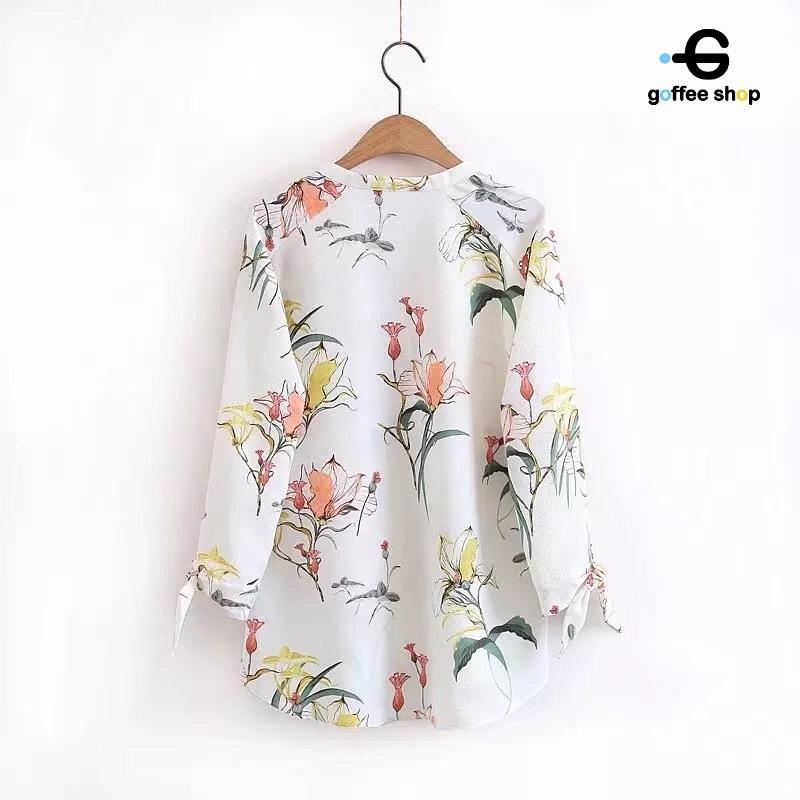 เสื้อผ้าแฟชั่นเกาหลีพร้อมส่ง Blouse คอวีแขนยาว พิมพ์ลายทั้งตัวบนผ้าเนื้อดี