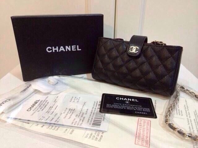 (Mirror) Chanelงานhi-end ใส่มือถือ ใส่เงิน มีซิปด้านใน บุผ้ากำมะหยี่ Hiend 3200.- บาท Mirror 2500.- บาท