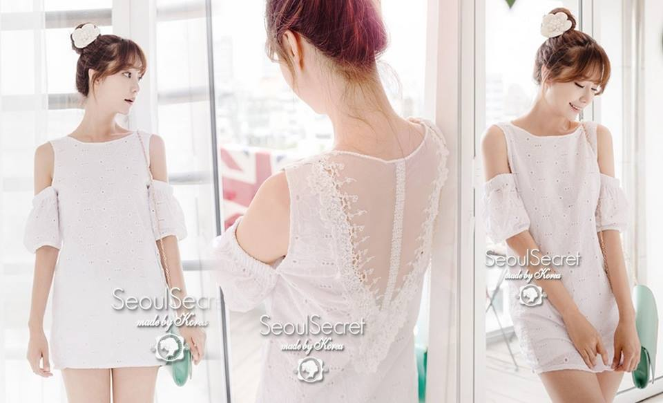 (พร้อมส่ง)Sweetie White Lace Flora Dress by Seoul Secret