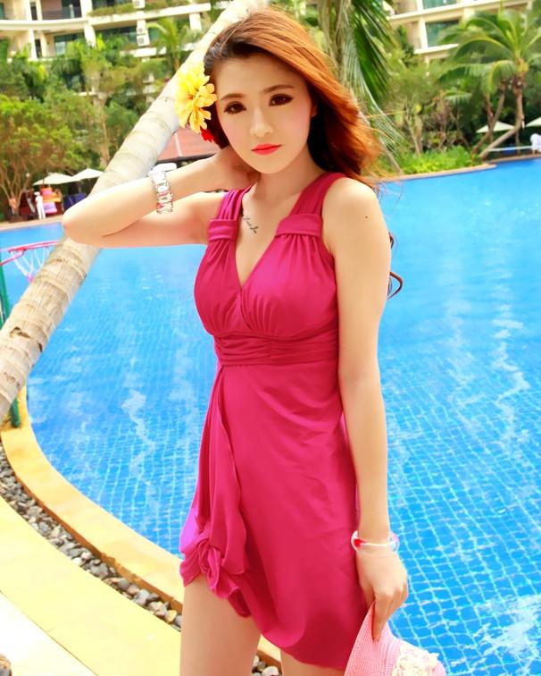ชุดว่ายน้ำวันพีช สี ROSE คอวี แต่งสายคล้องคอ แต่งย่นๆช่วงอกน่ารักมากๆ ผ่าด้านหน้าเซ็กซี่