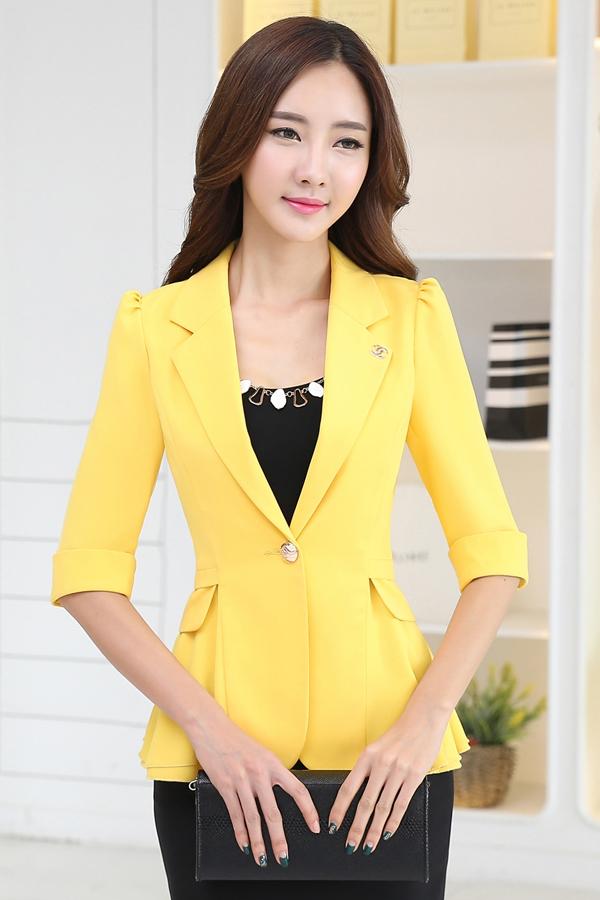 เสื้อสูทแฟชั่น พร้อมส่ง สีเหลือง คอปก ดีเทลแขนพับสามส่วน ไหล่ยกนิดๆ เข้ารูปช่วงเอว แต่งระบาย ด้านหลังด้วยผ้าชีฟอง น่ารักมากๆ