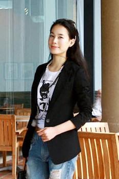 เสื้อสูททำงาน พร้อมส่ง เสื้อสูทตัวยาว ขนาดพอดีตัว แขนยาว มีกระดุมหน้า สีดำเข้ม เหมาะสำหรับใส่ทำงาน หรือปรับใส่เป็นสูทลำลองได้