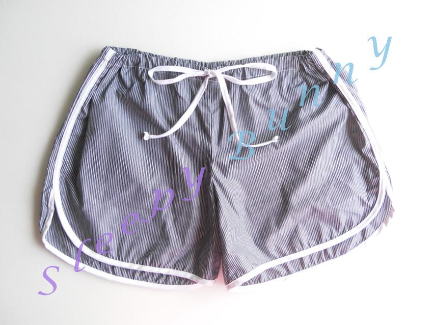 คุณ Dao (fb) CF ค่ะ มีตำหนิ bx23 กางเกงลายทางสีขาว-เทาเข้ม free size ( S, M, L )