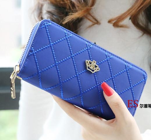 กระเป๋าสตางค์แฟชั่น YADAS พร้อมส่ง สีน้ำเงิน ด้านในสีน้ำเงิน ใบยาว DESIGN สุดเก๋ ลายตาราง ปิดเปิดด้วยซิบรูด สวยหรู