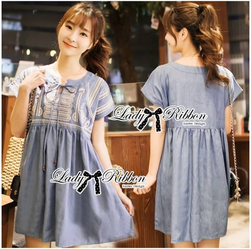Lady Sweet Effortless Embroidered Denim Dress
