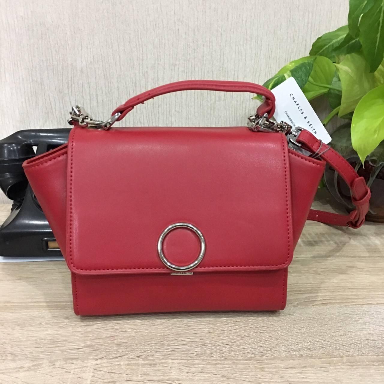 กระเป๋าถือหรือสะพาย CHARLES & KEITH MINI PUSH-LOCK TRAPEZE BAG 2017 สีแดง
