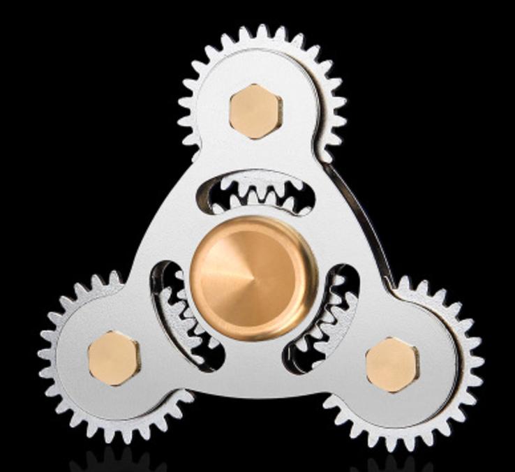 Fidget Spinner Gear Silver - Triangle