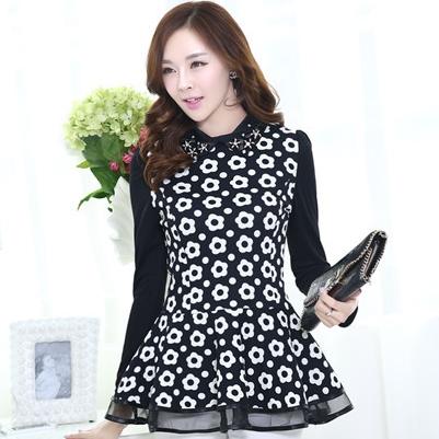 เสื้อทำงานแฟชั่นเกาหลี เรียบหรู ดูดี เสื้อเชิ้ตแขนยาว สีดำ ลายดอกไม้ เอวเข้ารูป ปลายเสื้อแต่งระบายเก๋ๆ , S M L