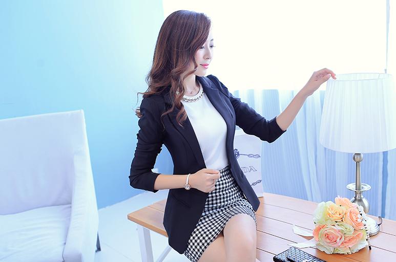 เสื้อสูททำงานผู้หญิงสีดำ คอปก แขนยาว ทรงสวย ราคาถูก