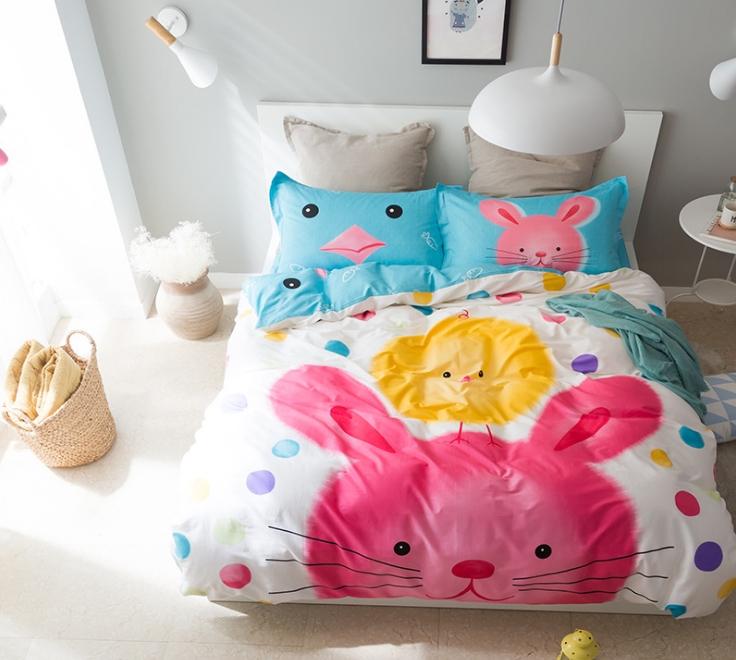 ผ้าปูที่นอน ลายการต่ายน้อย สีเหมือนภาพวาดเลยจ้า