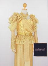 ชุดไทยประยุกต์ ชุดไทยรัชกาลที่ 5 ชุดไทยร่วมสมัย ชุดไทยเพื่อนเจ้าสาว เสื้อลูกไม้แขนยาวคู่ผ้าถุง หรือ โจงกะเบน ค่ะ