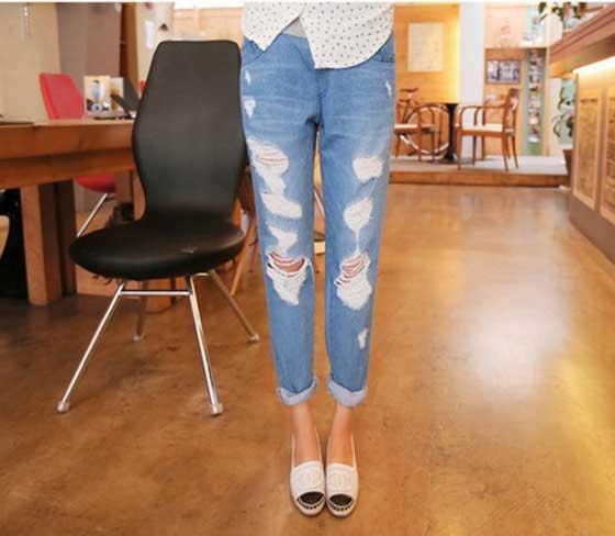 กางเกงคลุมท้องยีนส์ขายาวสีฟ้าอ่อน มีรอยขาด