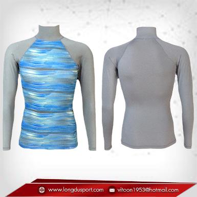 Body Fit เสื้อรัดรูป คอตั้ง แขนยาว สีพื้นหลังเทา - ลายฟ้า