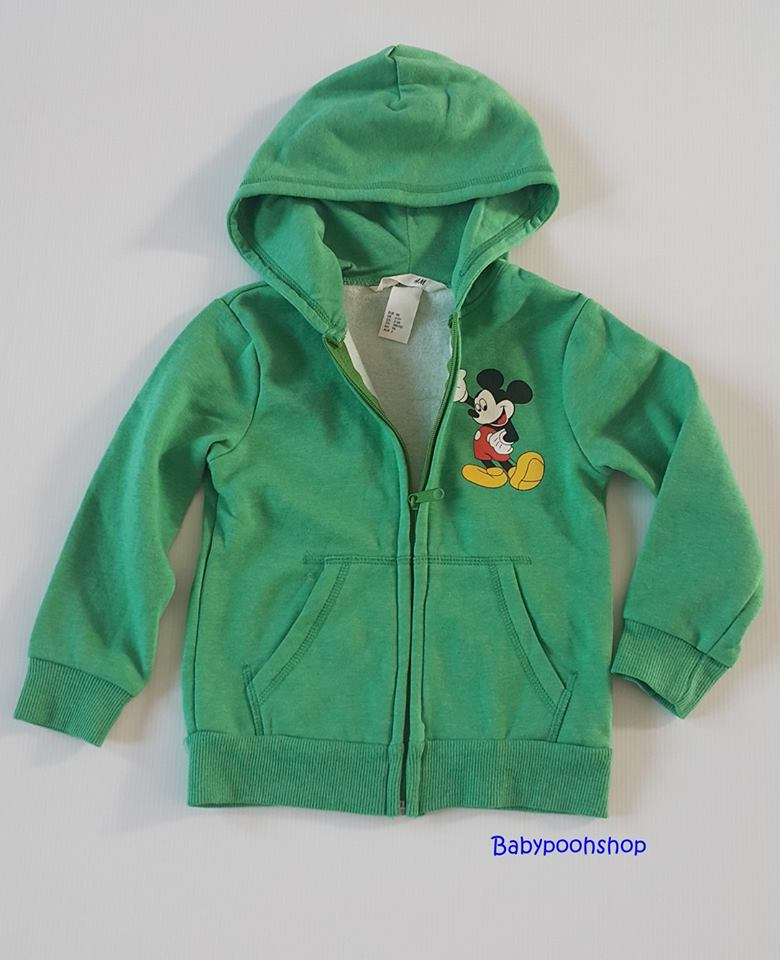 H&M : เสื้อกันหนาว มีฮูด ข้างในบุผ้าสำลี ผ้าไม่หนามาก สกรีนลายมิกกี้เมาส์ สีเขียว size : 2-3y / 4-5y / 5-6y