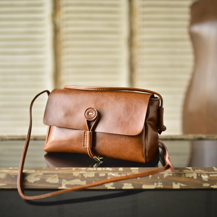 กระเป๋าหนังแท้ MINI Veronika สีน้ำตาล