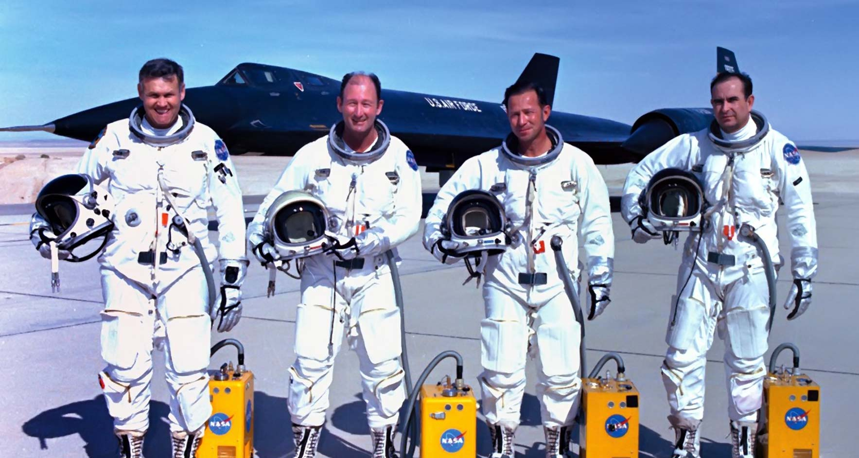 1//6 Scale SR-71 Black Bird Flight Test Ventilating Unit Air Tube Pilot