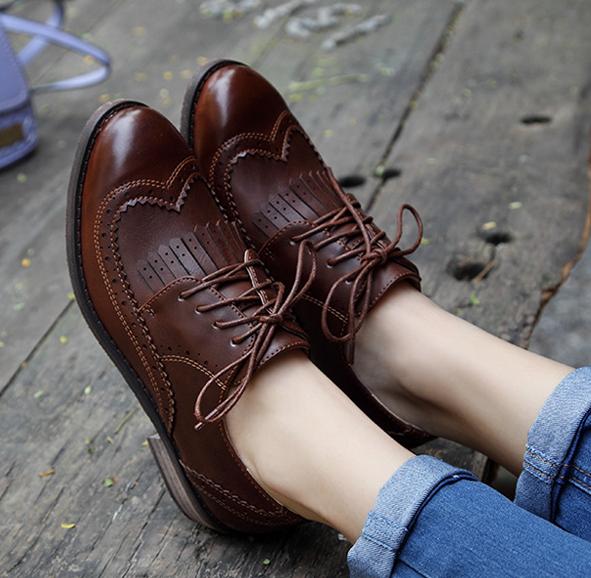 [มี2สี] รองเท้าบูทส้นเตี้ย สไตล์อังกฤษ ทรงย้อนยุค แฟชั่นหนังแท้+หนัง pu แต่งพู่ด้านหน้า ส้นสูง 1.5 นิ้ว