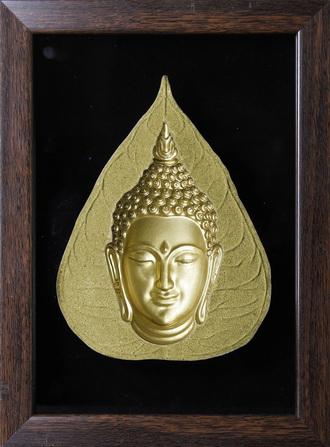 พระมองตาม ศิลปะหินทราย พระหันหน้าได้ สีทอง จิ๋ว ขนาด Size 14x19x4.5 cm. Price ราคา 890 บาท.