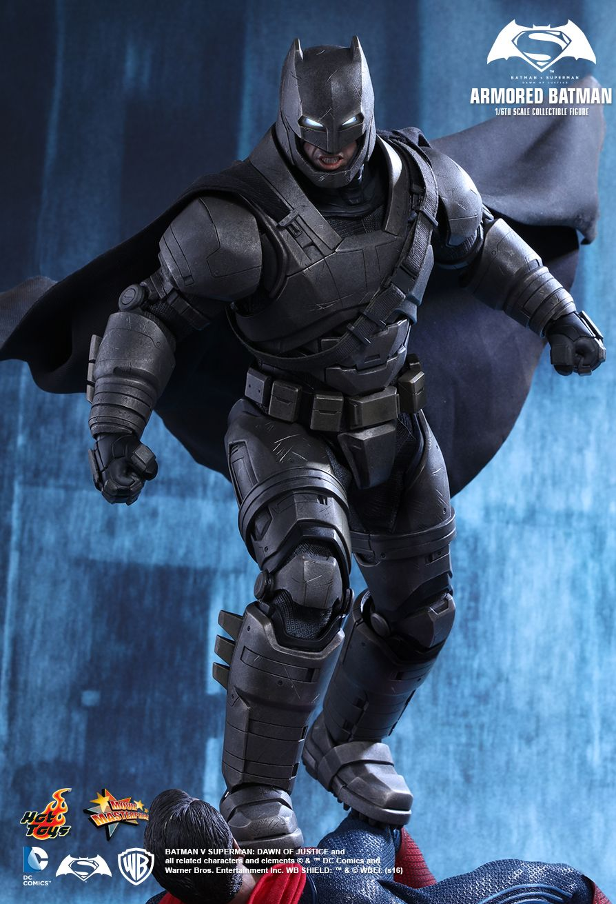 Hot Toys MMS349 BATMAN V SUPERMAN: DAWN OF JUSTICE - ARMORED BATMAN