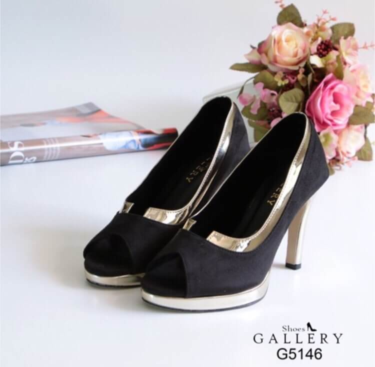 รองเท้าคัทชูขอบทอง (สีดำ)