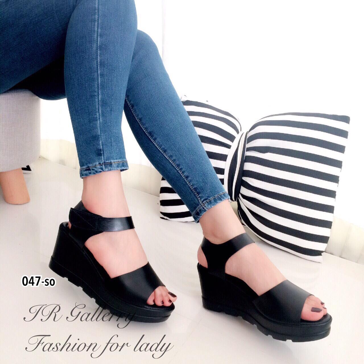 รองเท้าส้นเตารีดสไตล์ลำลอง (สีดำ)