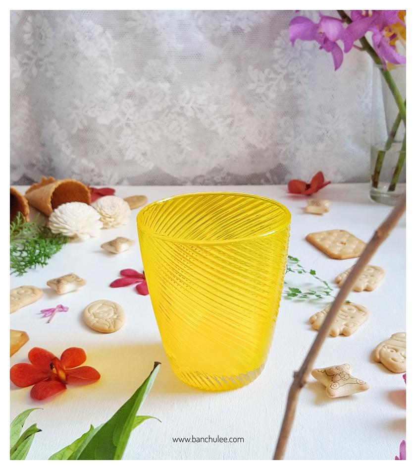 Yellow Short Glass Cup แก้วน้ำสีเหลือง ลายเกลียว นูน