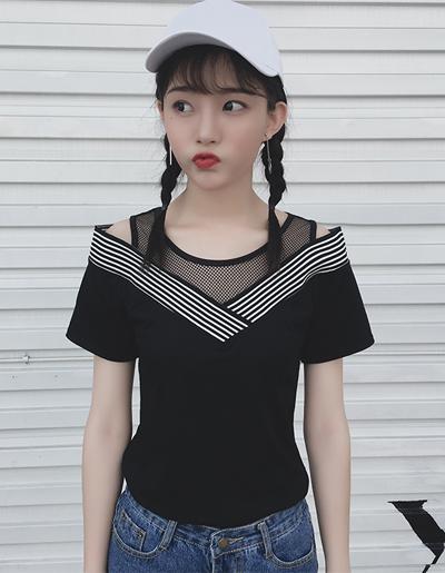 เสื้อแฟชั่นคอวีแขนสั้น แต่งผ้าตาข่ายดูคล้ายเสื้อมีสองชั้นสวยน่ารักสไตล์เกาหลี-1621-สีดำ