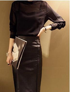 เสื้อทำงานแฟชั่น เสื้อแขนยาว ผ้าไลคร่า โชว์หน้าอก เสื้อทำงานสีดำ