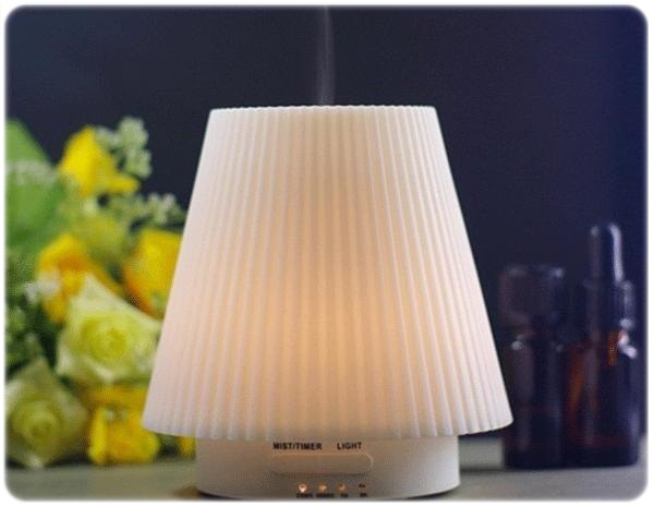 Fea' Ultrasonic mini Humidifier aroma diffuser (โคมไฟ) 100ml.