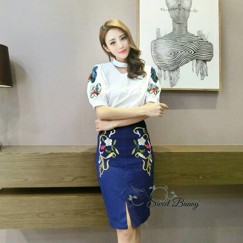 Sweet Bunny Present... Korea Embroidered Butterfly Pencil Skirt Set
