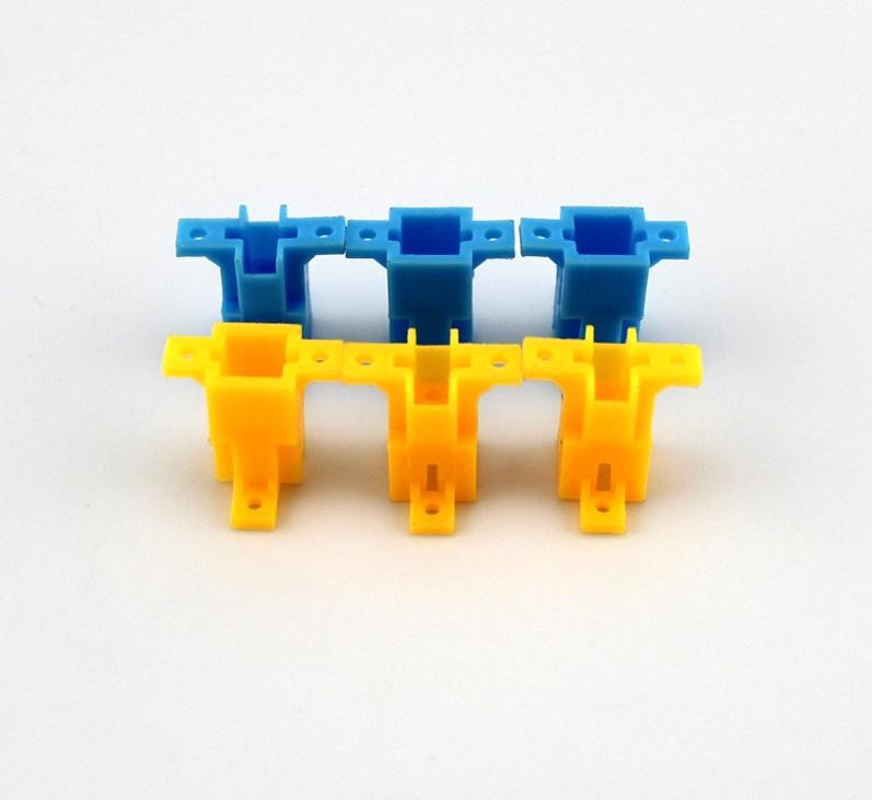 ฐาณยึด พลาสติก สีเหลือง 9*9*17mm