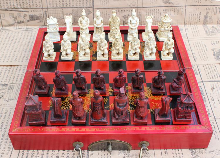 ชุดหมากรุกลายจีนแบบพับขนาดกลาง Folding Antique Chess Set M