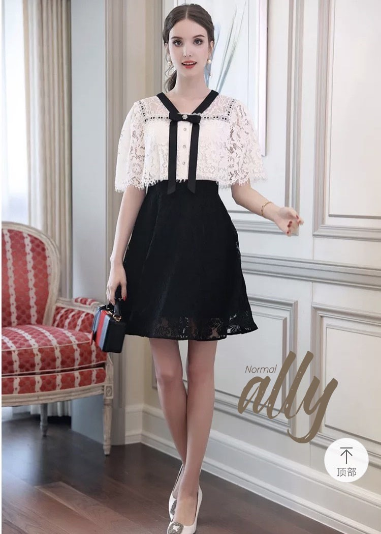 เสื้อผ้าแฟชั่นเกาหลี New Arrival .. Don't Miss!! Normal Ally Present Classy lace dress new collection