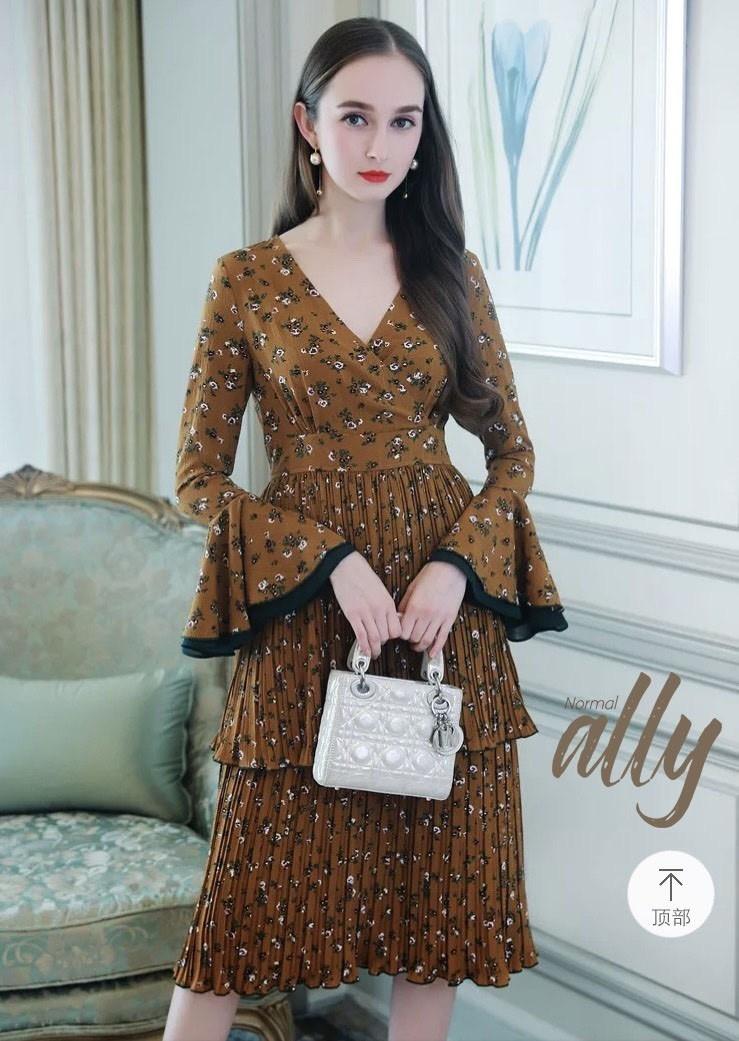 เสื้อผ้าแฟชั่นเกาหลี Lady Ribbon Thailand Normal Ally Present Flower print and boutique pleated dress