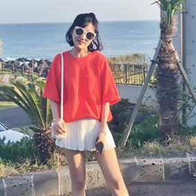 เสื้อแฟชั่น คอกลม แขนสั้น เปิดหลัง sexy สีแดง