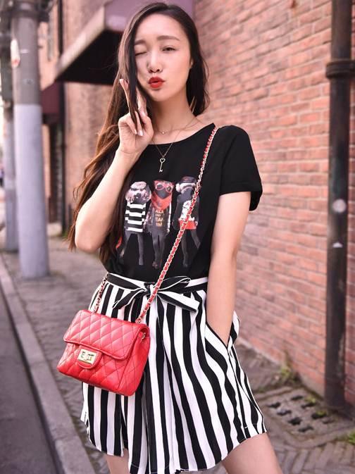 (SALE) เสื้อแขนสั้น ผ้าชีฟอง พิมพ์ลายน้องหมา สีดำ(มีภาพสินค้าจริง)