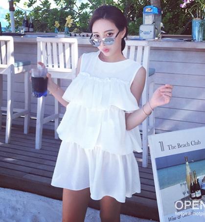 (SALE) เสื้อแฟชั่นแขนกุด แต่งระบาย ผ้าชีฟอง สีขาว