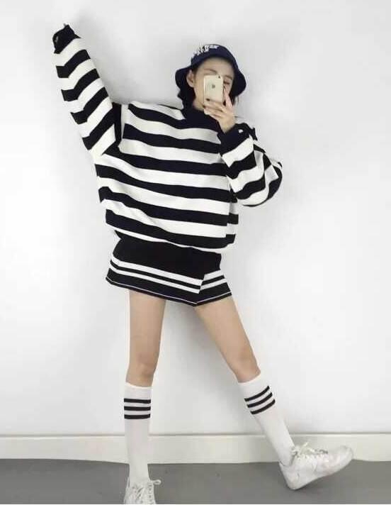 (ภาพจริง) เสื้อแฟชั่น คอปีน แขนยาว ลายขวาง สีขาวดำ